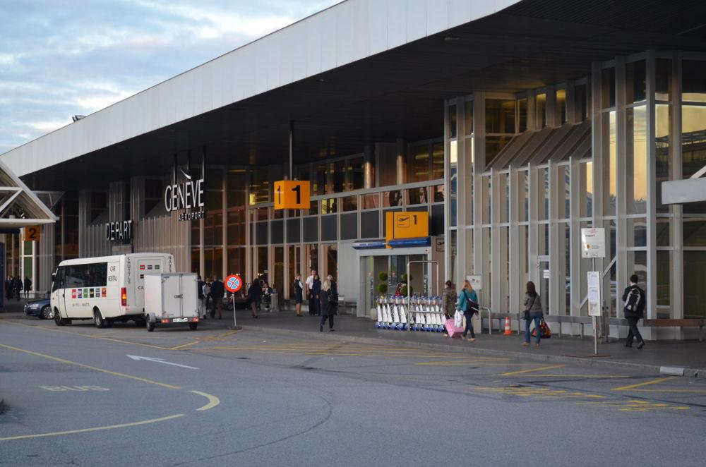 Arrivée à l'aéroport de Genève. auteur @eGuide Travel, sous licence CC-BY SA 2.0, source photo @ flickr.com