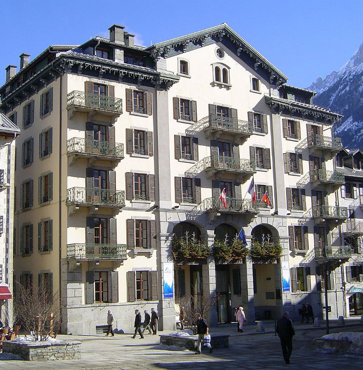 Chamonix (town hall). Author moi-même, licensed under CC-SA 3.0, photo source @commons.wikimedia.org