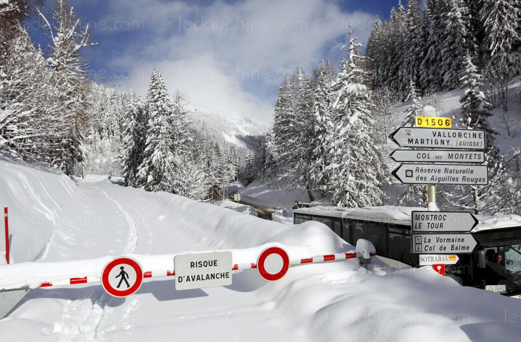 The Col des Montets road is closed