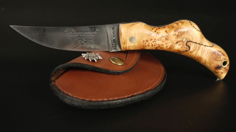Le chamoniard - knife with the shape of the Mont-Blanc