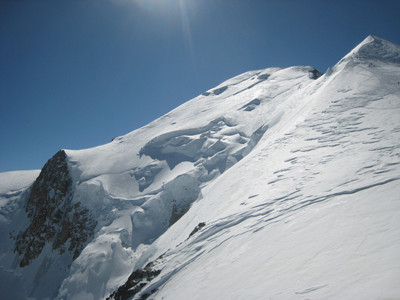 Grand Plateau, North Face of Mont Blanc: ski-tourer falls into a crevasse