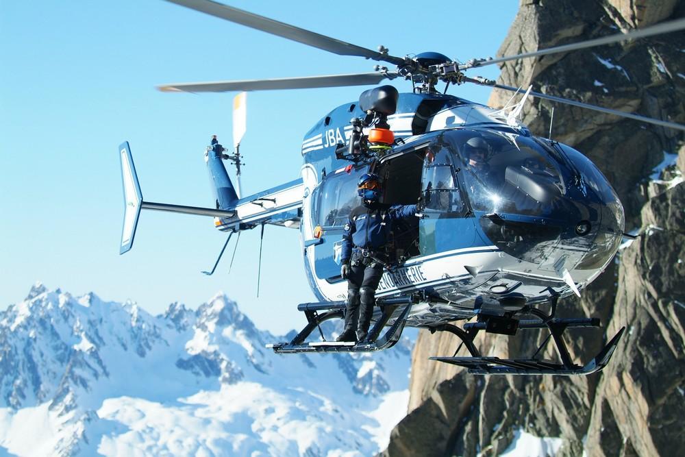 PGHM helicopter, credit @pghm-chamonix.com