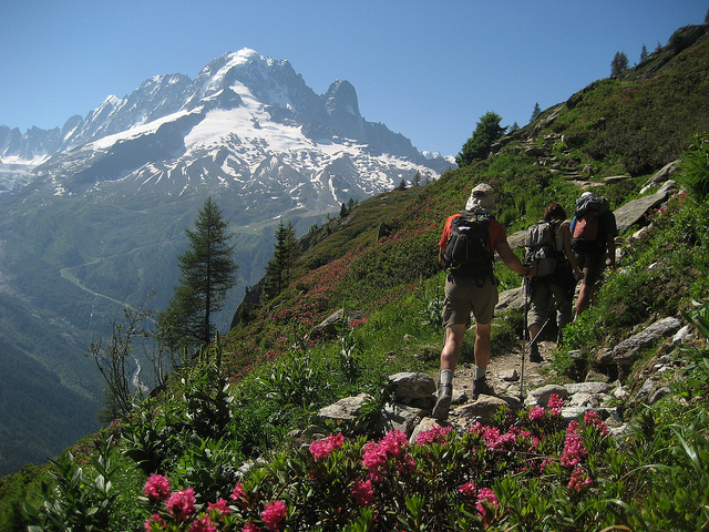 hiking books chamonix mont blanc