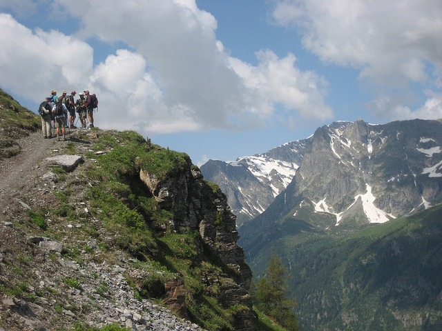 hiking trekking walks in chamonix mont blanc