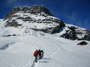 Snowshoeing in Chamonix guides