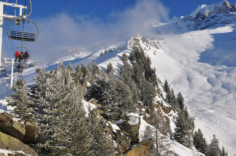 The Grands Montets ski area can be accessed via the Plan Joran cable car.