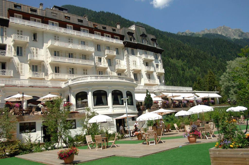 Closure of Club Med in Chamonix. Photo source: @www.chamonix.fr/actualites