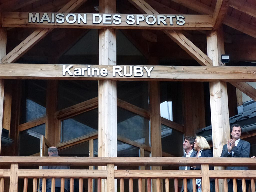 The maison des sports of Chamonix is now called Maison des sports Karine Ruby! Photo source: @www.facebook.com/Mairie-de-Chamonix-Mont-Blanc