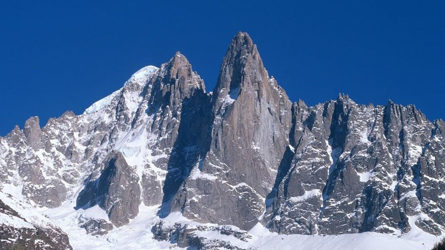 On 29 June 2020, a German mountaineer fell over 100 m and lost his life, in the Mont-Blanc massif. photo source @Francebleu.fr