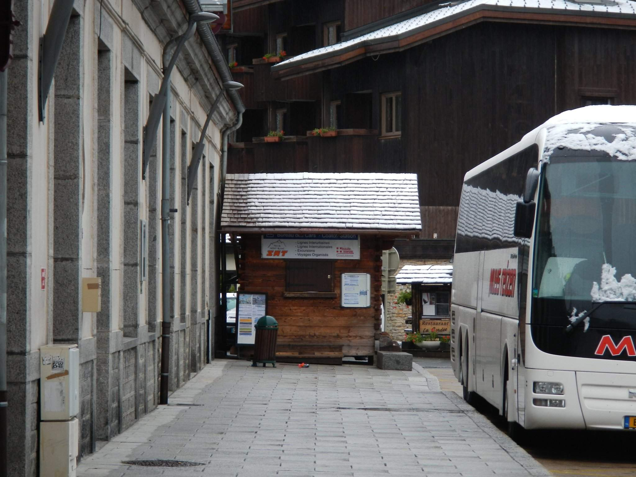 bus from the united kingdom to chamonix. Black Bedroom Furniture Sets. Home Design Ideas