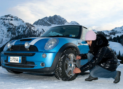How To Fit Snow Chains On Car Tyres Installing Snow Chains