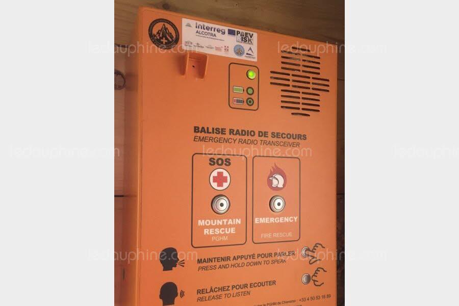 Balises radio de secours et d'alerte. Photo source: @www.ledauphine.com