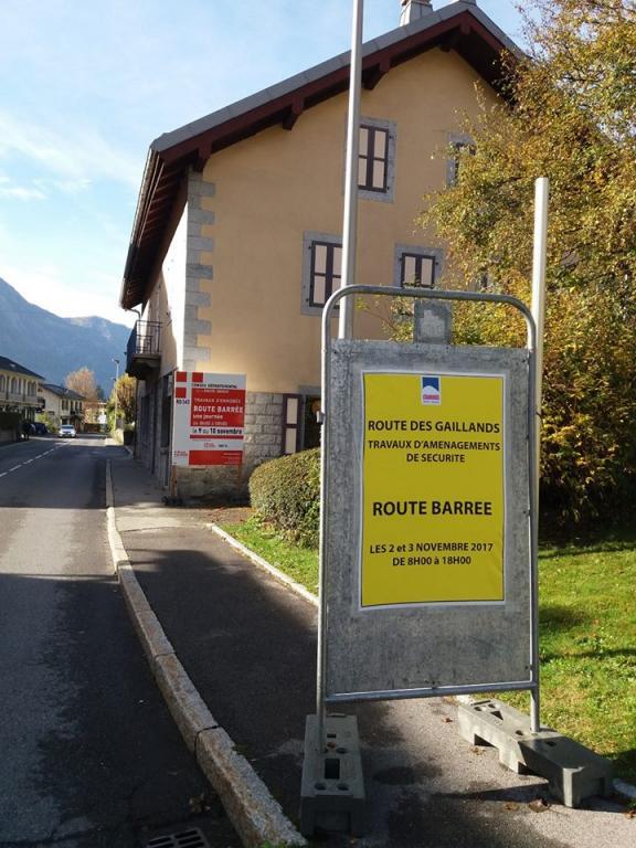 Fermeture de la route des Gaillands les 2 et 3 puis les 9 et 10 novembre 2017. Photo source: @www.facebook.com/Mairie-de-Chamonix-Mont-Blanc