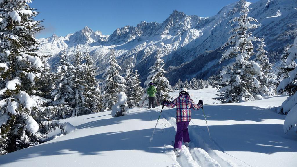 Safe skiing on open piste