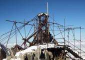 The old Gare des Glaciers at Col du Midi dismantled. Photo source @Emerick Desvaux/Compagnie du Mont Blanc
