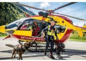 François Nicard with his rescue dog, photo source @ facebook, Gend'Actu