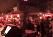 Le Barberousse bar à Chamonix. photo source : @www.facebook.com/pg/BarberousseCham/photos/