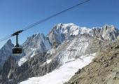 Skyway Monte Bianco view, par SteGrifo27, sous licence CC BY 4.0, found on https://commons.wikimedia.org/wiki/File:Skyway_Mont_Blanc.jpg#file