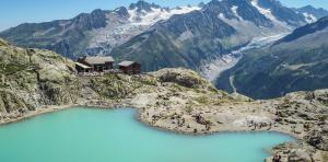 Lac Blanc. Photo source: @randos-montblanc.com