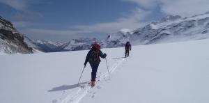Ski touring in the Alpes