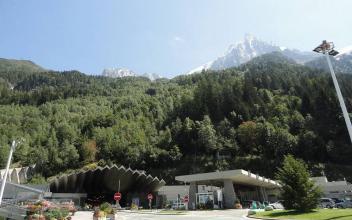 Côté français du tunnel du Mont-Blanc, par Kristoferb, sous licence CC BY-SA 3.0, disponible sur https://commons.wikimedia.org