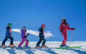 Group lessons, from beginner to expert ...Photo source: @www.chamonix.com