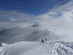 Fresh snow towards the Refuge des Cosmiques at 3800m. Photo @ Refuge des Cosmiques