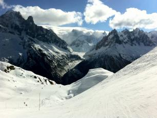La Flégère, Chamonix Mont-Blanc, France, by trailsource.com, licensed under CC By 2.0, found on https://www.flickr.com/photos/trailsource/5422261498