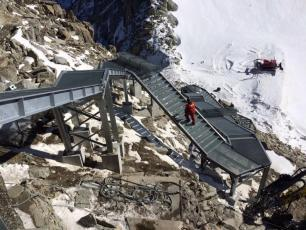 New staircase from the summit of Les Grands Montets. photo source: @www.radiomontblanc.fr