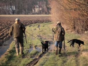 Chasseurs, http://referentiel.nouvelobs.com/file/rw500/14637494.jpg