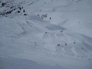 Le Tour today - snowpark