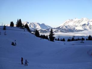 Il y a 2 petites pistes ouvertes aux Houches (photo de vendredi)