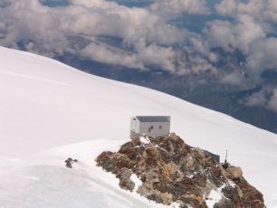 Refuge Vallot, Massif du Mont Blanc, photo @ www.wikipedia.org