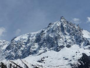 North Face of the Aiguille du Midi. photo source : @www.camptocamp.org