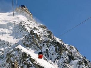 Aiguille du Midi - 2nd section cable car