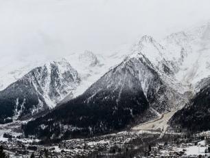 Une belle coulée descendue ce matin au-dessus des Houches.  Photo source: @Eric Courcier Accompagnateur en montagne-Photographe
