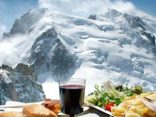 Cafeteria at the summit of the Aiguille du Midi open year round - Photo courtesy by CMB
