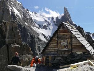 The Perades bivouac was rehabilitated in mid-August by several volunteers. photo source@ledauphine.com