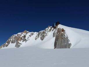 Refuge Cosmique, massif du Mont Blanc
