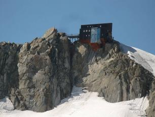 Cosmique Refuge, Mont Blanc massif