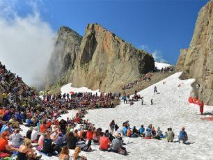 Cosmojazz festival takes places in breathtaking scenary. photo source @cosmojazzfestival.com