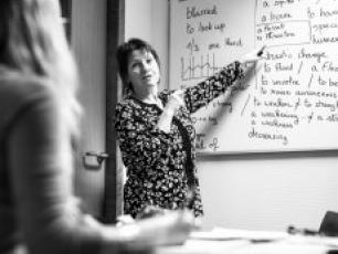 Des cours de langues intensifs pour les saisonniers / professionnels de la montagne du 20 Novembre au 1er décembre 2017 au Centre de Congrès Le Majestic à Chamonix. Photo source: @http://www.haute-savoie.cci.fr