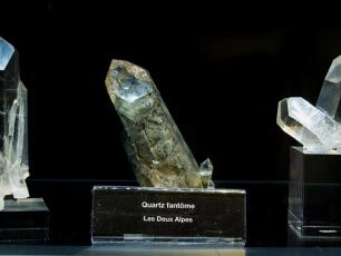 Goiguet-Blogne exhibition 2018, photo @ http://www.mineralogie-chamonix.org/index.php?op=html&code=musee/index#Expo2018