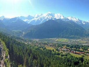 Via Ferrata De Curalla à Passy. Source de la photo @ www.savoie-mont-blanc.com