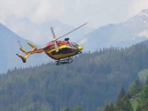Dragon 74, helicopter of the PGHM of Chamonix, photo source @ledauphine.com