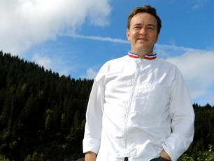 Emmanuel Renaut, owner of Flocons de sel, from Megève, takes over the Auberge du Bois Prin, photo source @leDauphine
