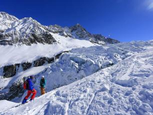 The Grands Montets ski area can be accessed via the Plan Joran cable car. Photo source @chamonix.com.