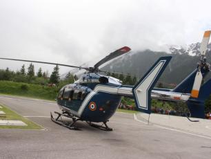 The Chamonix PGHM Helicopter. photo source : www.ledauphine.com