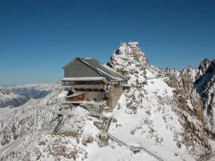 Top station of the Grands Montets with the viewing platform on the actual summit of the Grands Montets.