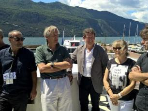 The founders of Musilac, the mayor of Aix-les-Bains (Savoie), Dominique Dord, and the elected members of the Chamonix valley announced the arrival of the Musilac Festival in Chamonix. Photo source: @www.ledauphine.com